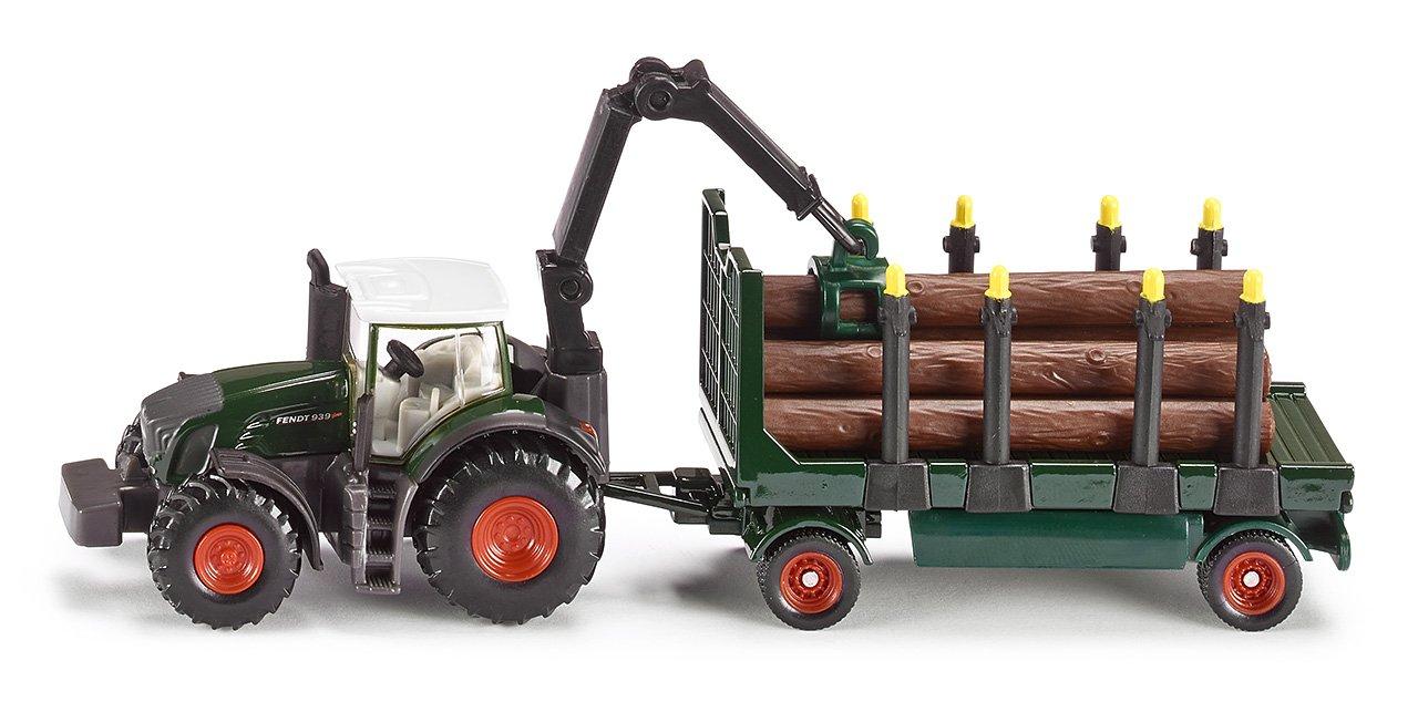 Traktor mit Holzanhänger
